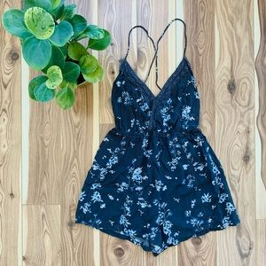 PULL & BEAR   floral romper shorts size S